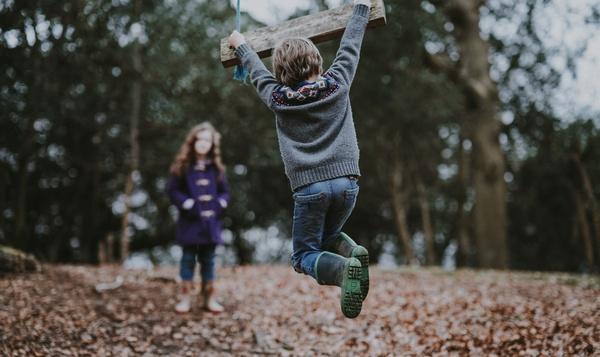 Beleef meer in het bos: de leukste bosactiviteiten voor kinderen
