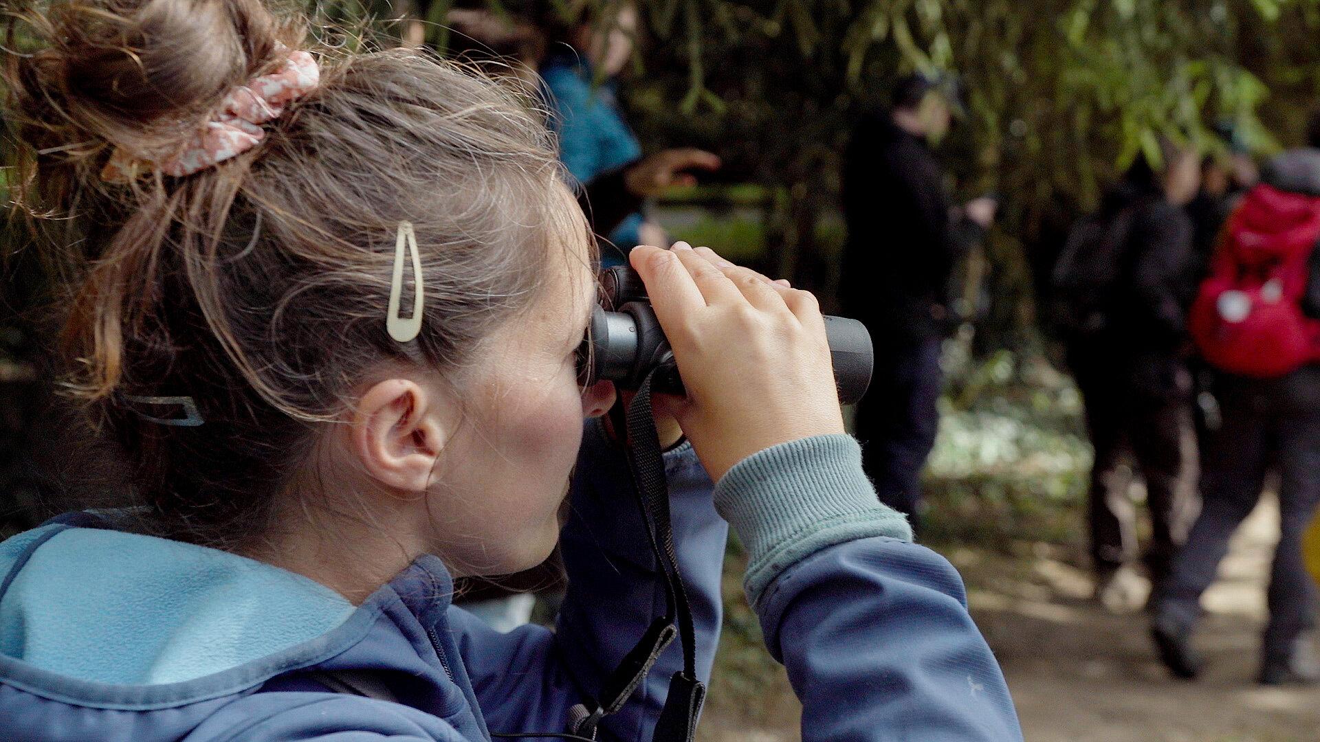 Kijken doorheen een Swarovski verrekijker